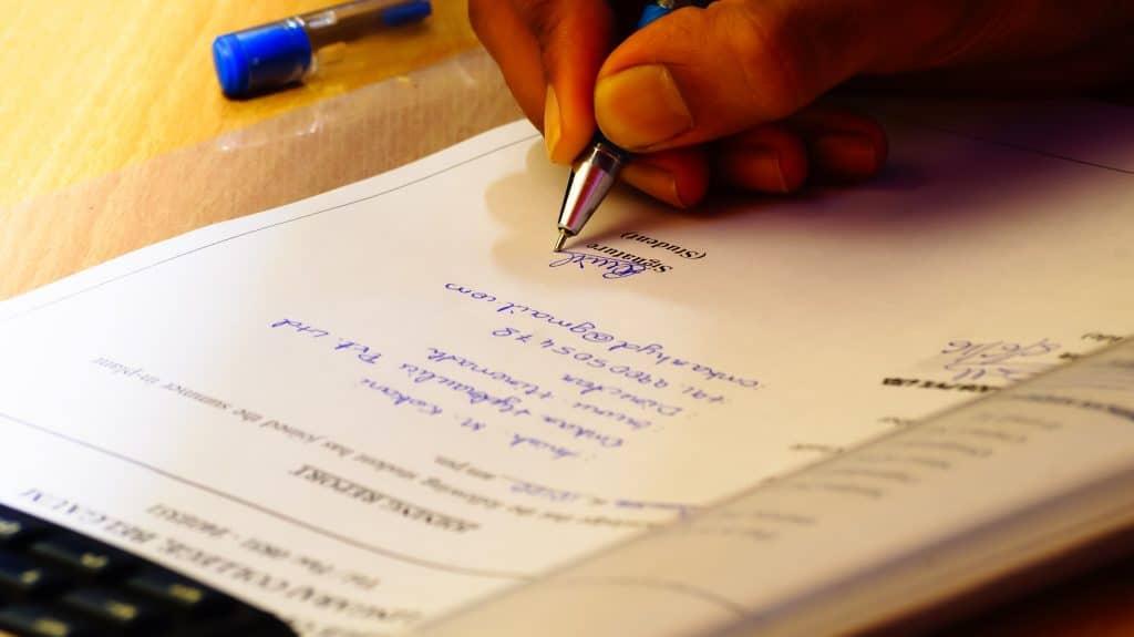 Всички нотариуси ще могат да заверяват преводи на документи от чужбина